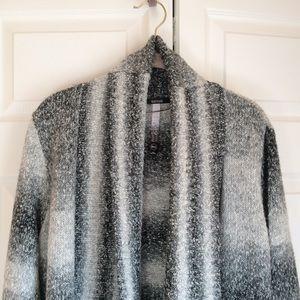 Kensie Sweaters - Kensie Cozy Cardigan Size Medium/Large EUC